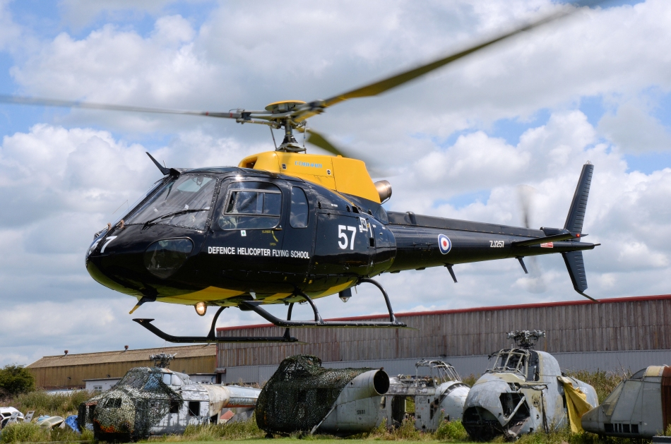 picture helicopter with Zj257big on 279759ee3d6d55fb1e43c62c69224f4a20a4dd37 additionally Aerospatiale Sa 315 Lama HB XII  Private 70005 large as well Bmw Wallpapers likewise 34 furthermore X 56A milestone.